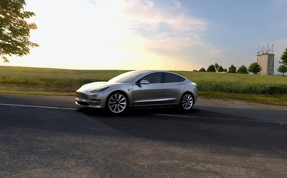 Tesla'nın beklenen otomobili çıktı! - Sayfa 3
