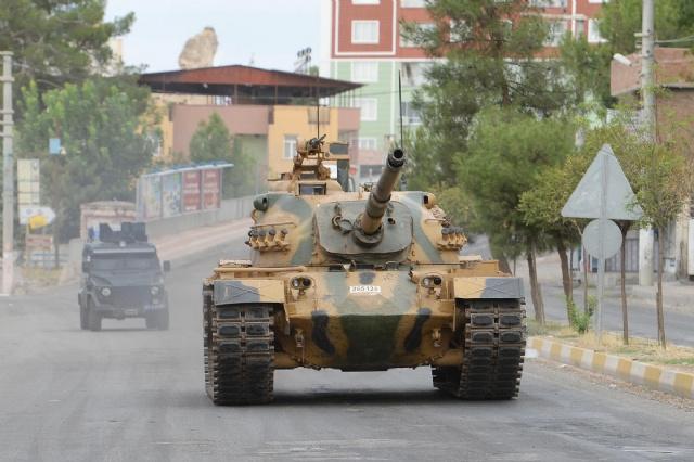Yüksekova'da PKK'ya ağır darbe 2 yöneticisi ve...