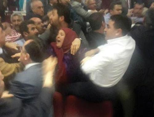 Belediye Meclisi'nde Kılıçdaroğlu kavgası