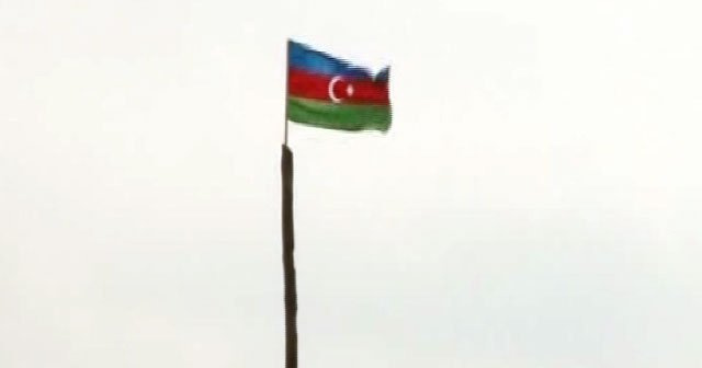 24 yıl aradan sonra Azerbaycan bayrağı dikildi!