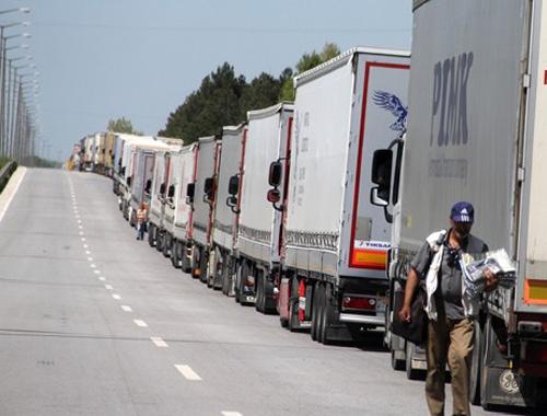 Rus tır sürücülerine vize zorunluluğu!