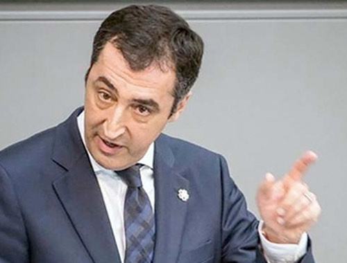 Cem Özdemir'den 'soykırım' eleştirilerine yanıt