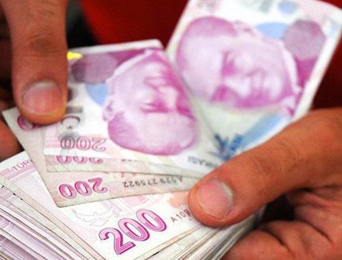 Yolda yürürken 3 bin lira bulunca