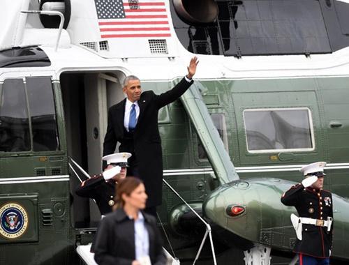 Obama çifti Beyaz Saray'a veda etti