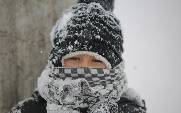 Kar bastırdı İstanbul hava durumu en kritik saatler