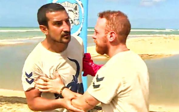 Survivor'da Serhat Akın ve Adem Kılıççı birbirine girdi!