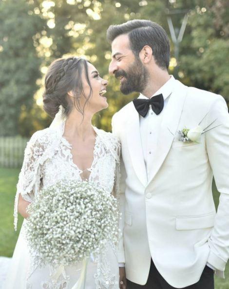 Hande Soral Evlendi Gelinliği Ise Ortalığı Yıktı Geçti Internet Haber