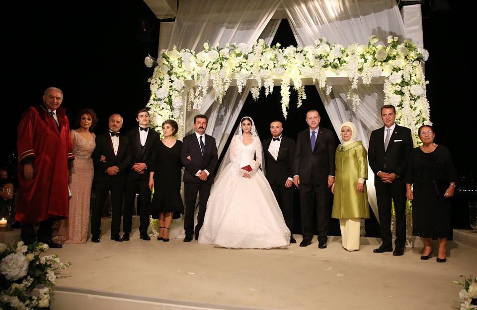 Diriliş'in Halime'si ile Beşiktaş'ın Gökhan'ı evlendi