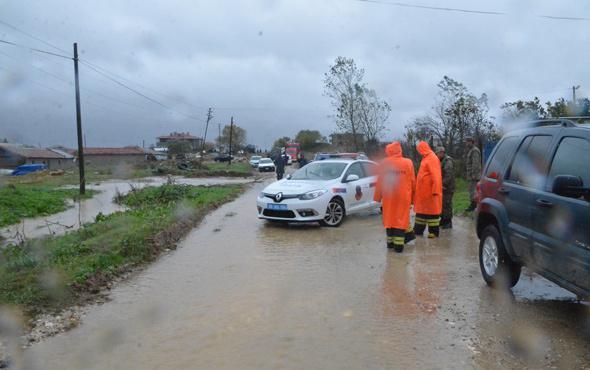 Tekirdağ'da askeri araç sel sularına kapıldı!
