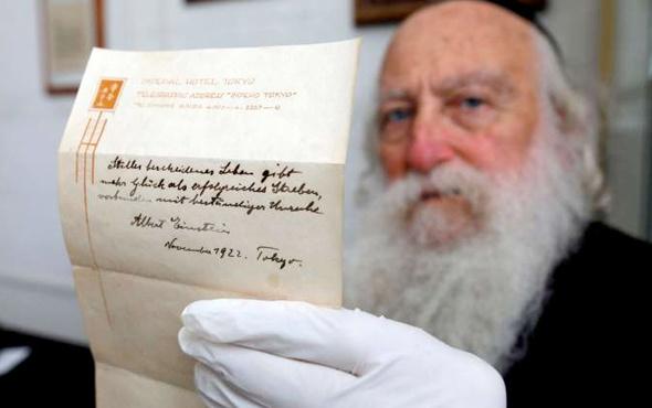 Einstein'ın 2 mutluluk formülü 1.5 milyon dolara satıldı
