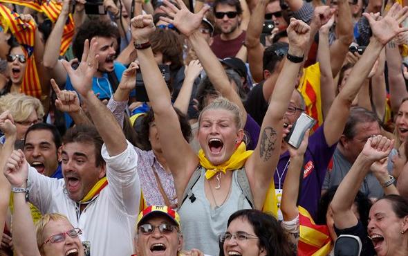 Katalonya bağımsızlığını ilan etti euro düştü!