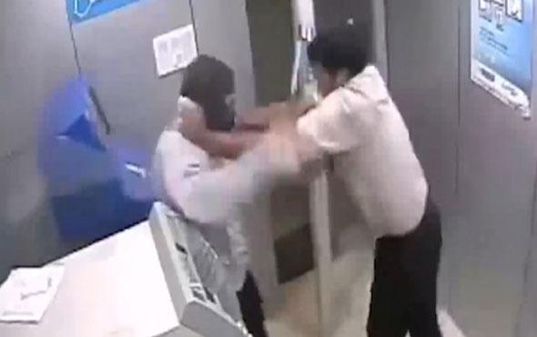 Güvenlik görevlisine çekiçle saldırdı!