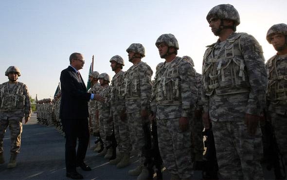 Cumhurbaşkanı Erdoğan'ın Katar'daki Türk birliğini ziyareti