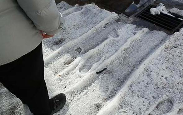 İzmir'de inanılmaz görüntü! Her yer beyaza büründü