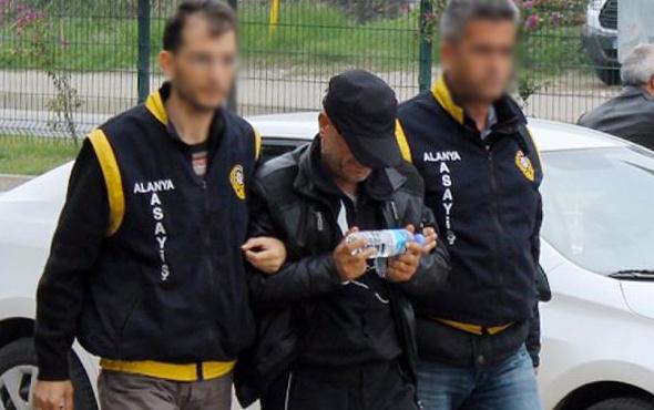 Gözaltına almaya gelen polise 1 milyon lira teklif etti