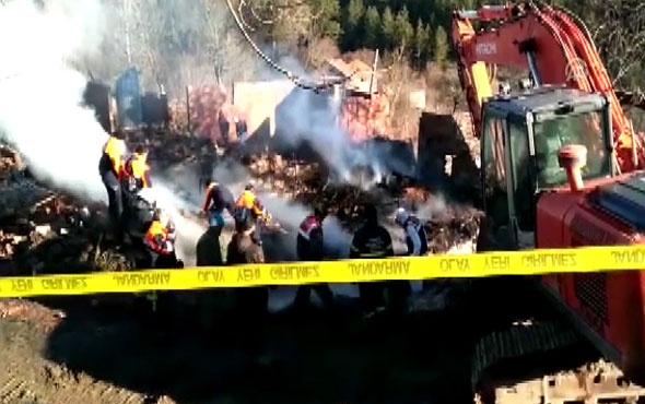 İki evin tamamen yandığı yangında 5 kişilik aileden haber alınamıyor