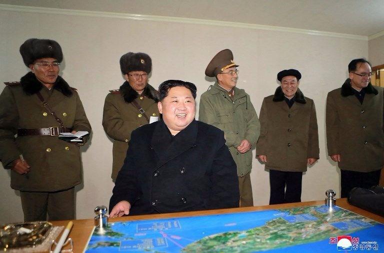 Kuzey Kore lideri, balistik füze denemesine böyle sevindi!
