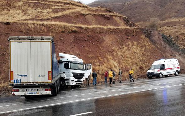 Sivas'ta aynı mevkide iki trafik kazası: 1 ölü, 1 yaralı