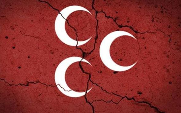 MHP ilçe yönetiminde toplu istifa