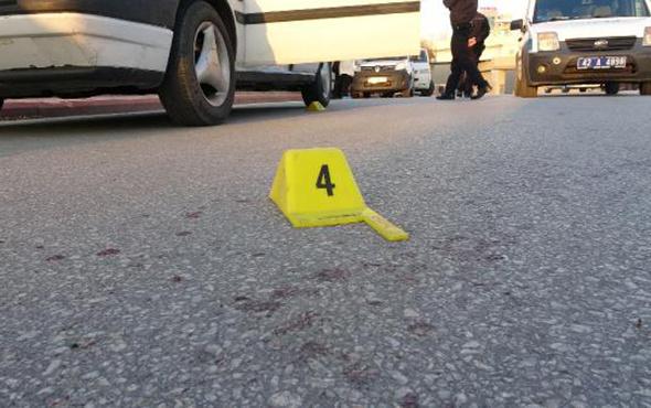 Sokak ortasında dehşet anları: Defalarca bıçakladı!