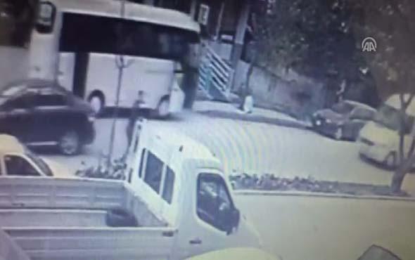 Kalp krizi geçiren midibüs sürücüsü otomobile çarptı: 1 yaralı