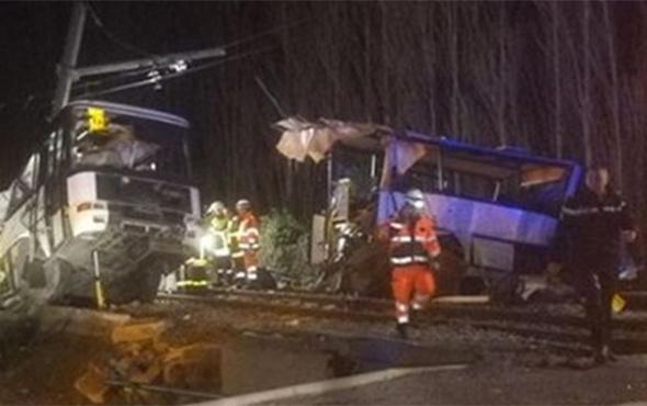 Tren ile otobüs çarpıştı: 4 ölü, 24 yaralı!
