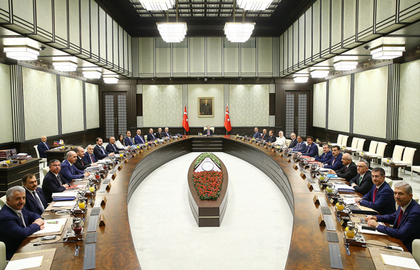 Kabine revizyonu olacak mı AK Partili Ünal açıkladı!