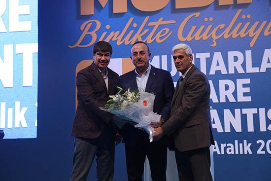 Bakan Çavuşoğlu Muhtarlar Zirvesi'nde konuştu
