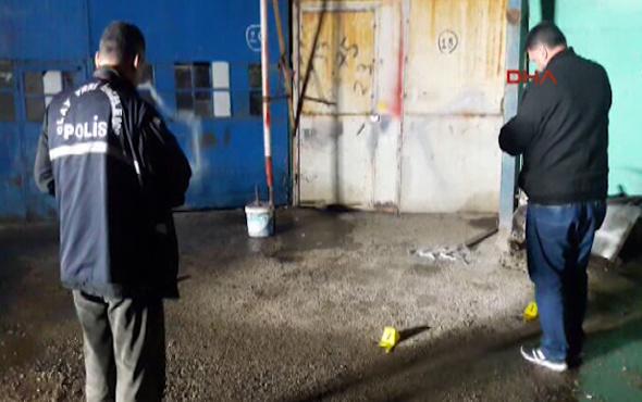 Bursa'da sokak ortasında başından vuruldu