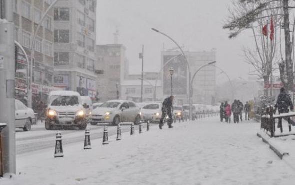 Karaman hava durumu okulları tatil ettirecek kar yağışı