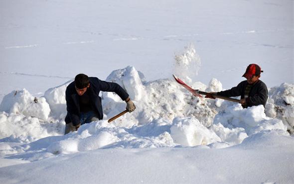 Meteoroloji Ağrı için uyardı şiddetli kar yağışı okullar tatil mi