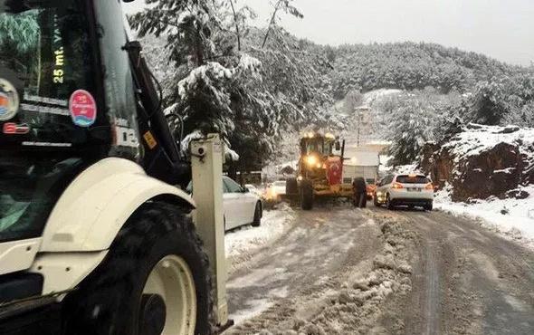 Alanya'ya kar yağdı yollar ulaşıma kapandı