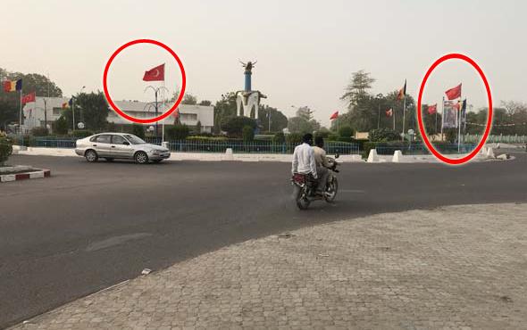 Burası Türkiye değil Çad! Her yer bayraklarla süslendi