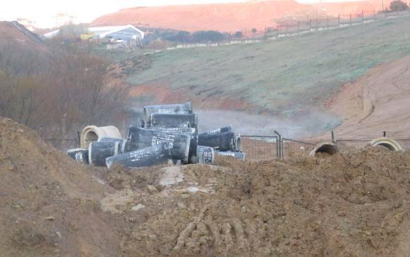 Tuzla'da kokuya neden olan kimyasalı döken 4 kamyon yakalandı