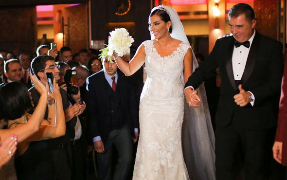 Hande Fırat evlendi eşi Murat Özvardar kimdir?