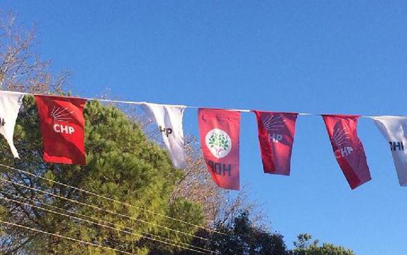 CHP ile HDP flaması yan yana: İsyan ettiren görüntü!