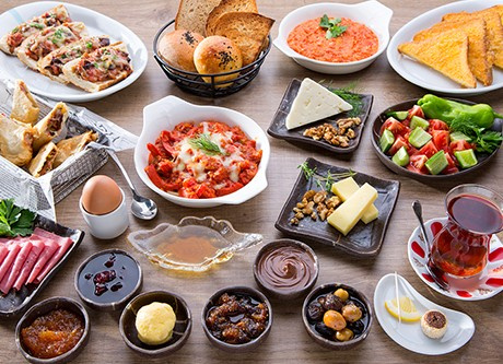 Uyanır uyanmaz sakın kahvaltıya oturmayın