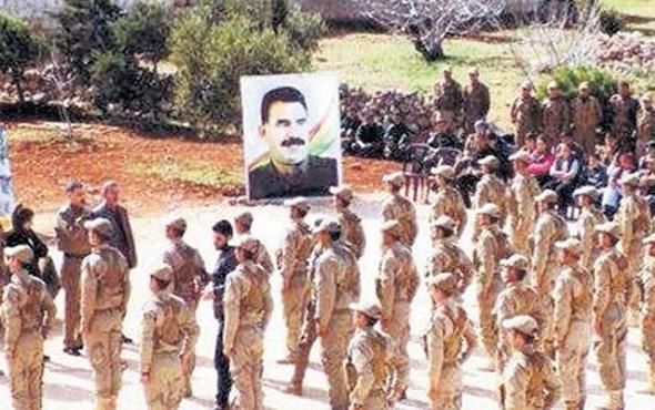 YPG'li teröristler Öcalan posteri önünde yemin etti!