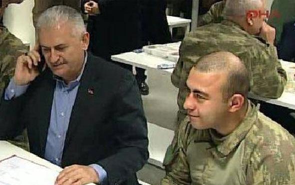 O fotoğraftaki ikinci asker de şehit düştü