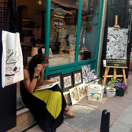 Simge Üngör'den 'Tamamen anılarınızdan oluşan' kişiye özel  sipariş çizimler