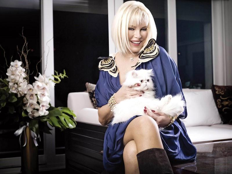 Ajda Pekkan'dan şok! Anne olmaya mı hazırlanıyor?