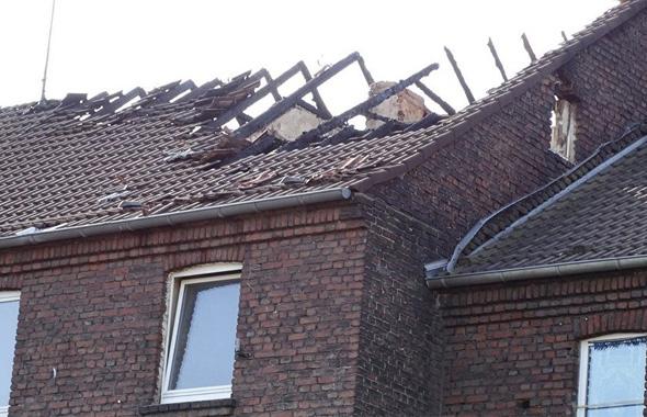 Türk ailenin evi kundaklandı iddiası!