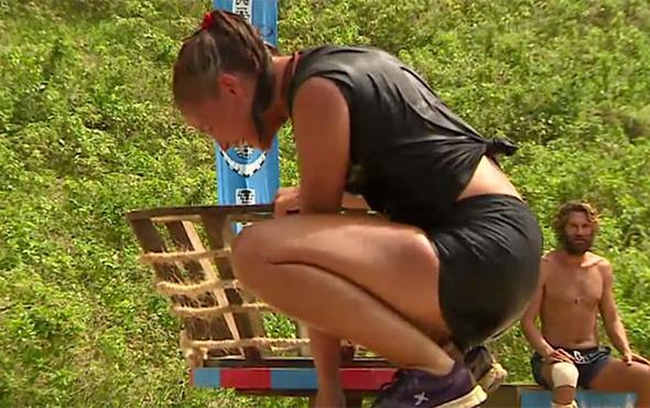 Survivor'da şok anlar! Berna Keklikler sinir krizi geçirdi!