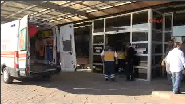 Türkiye sınırında bomba yüklü araçla saldırdılar