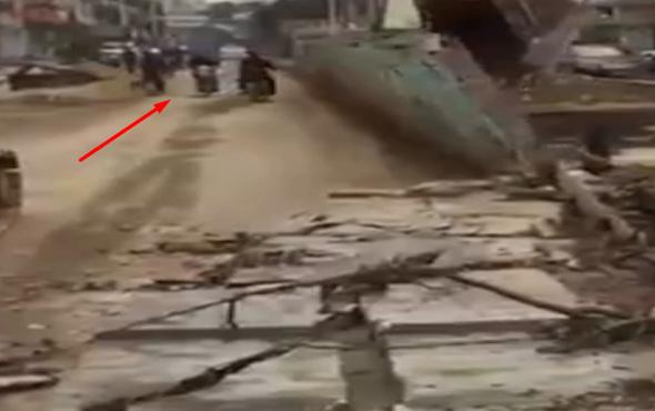 Duvarı motosiklet sürücüsünün üzerine yıktı