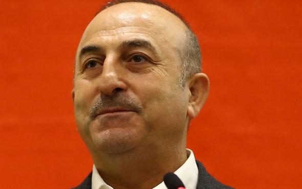Bakan Çavuşoğlu'ndan 'hayır' standına sürpriz ziyaret