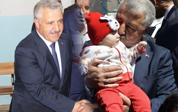 Bakan Ahmet Arslan'a sandık başında sevgi seli!
