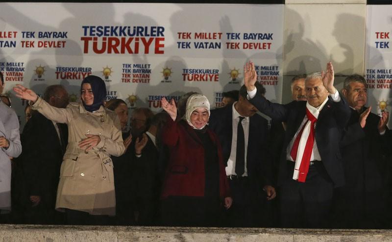 Türkiye eveti kutluyor! Yurttan muhteşem görüntüler