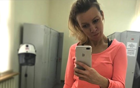 Rusya Dışişleri Sözcüsü Zaharova gençlere taş çıkarttı!