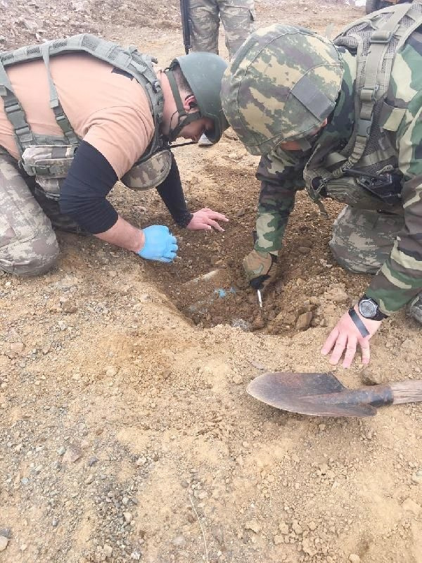 Şemdinli'de asker o silahtan bir tane daha buldu